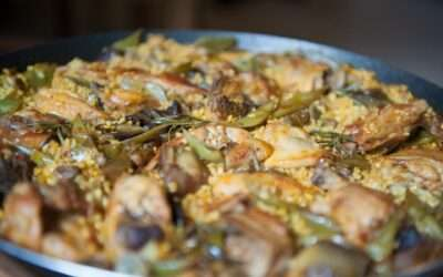 Chicken paella and artichokes