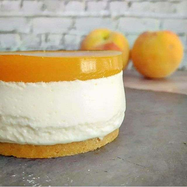Yoghurt and peach mousse